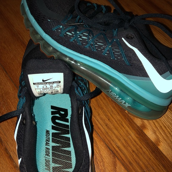 Nike AirMax running neutral ride soft sneakers